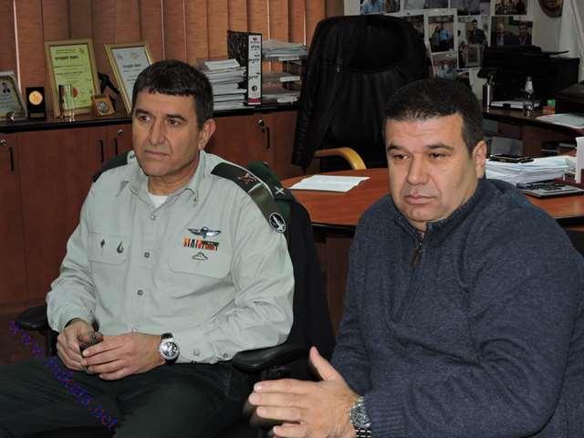 زيارة السكرتير العسكري لرئيس الدولة للمجلس المحلي